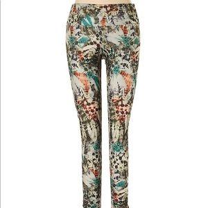 Onzie green print pants